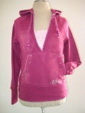 Pinker Sweater mit Schmetterling